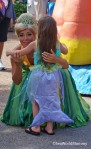 SeaWorld Spooktacular hug sea princess and mermaid