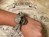 skull crossbones bracelet